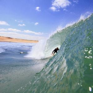 surfeur-vague-tube