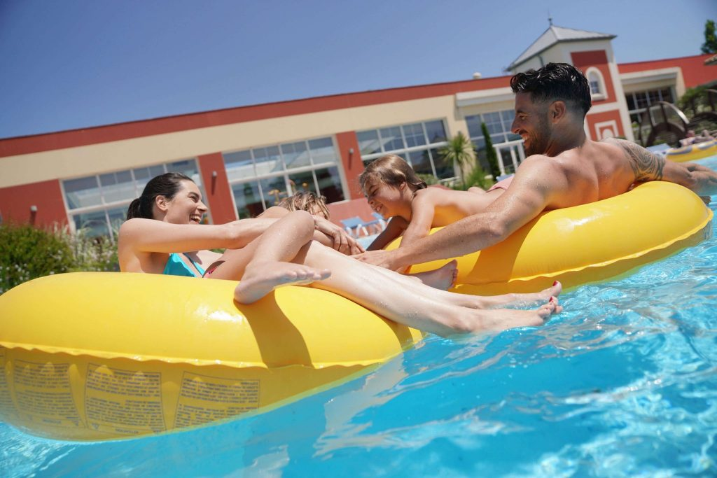 camping-sylvamar-labenne-5-etoiles-landes-bouées-piscine