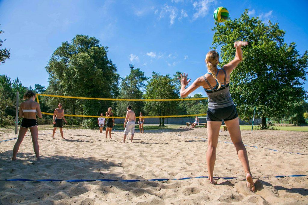 camping-sylvamar-labenne-5-etoiles-landes-terrain-volley