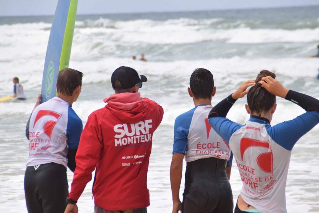 ECOLE-DE-SURF-PLANETE-VACANCES-VIEUX-BOUCAU2