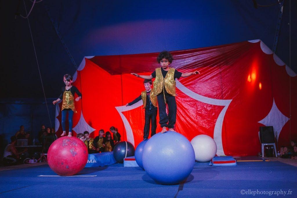 Ateliers découverte par l'école de cirque Galaprini