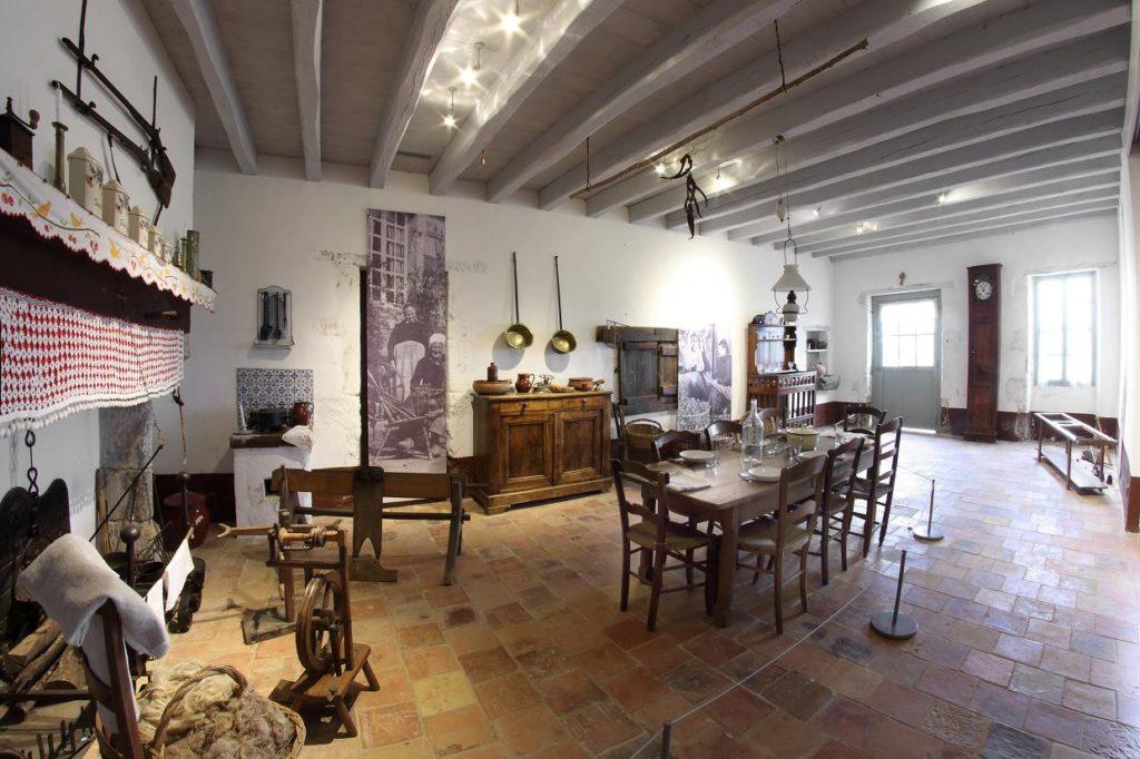 Pièce commune_Maison du métayer
