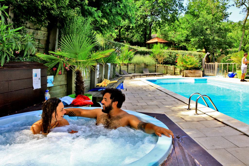 Village-vacances-Messanges-Jacuzzi