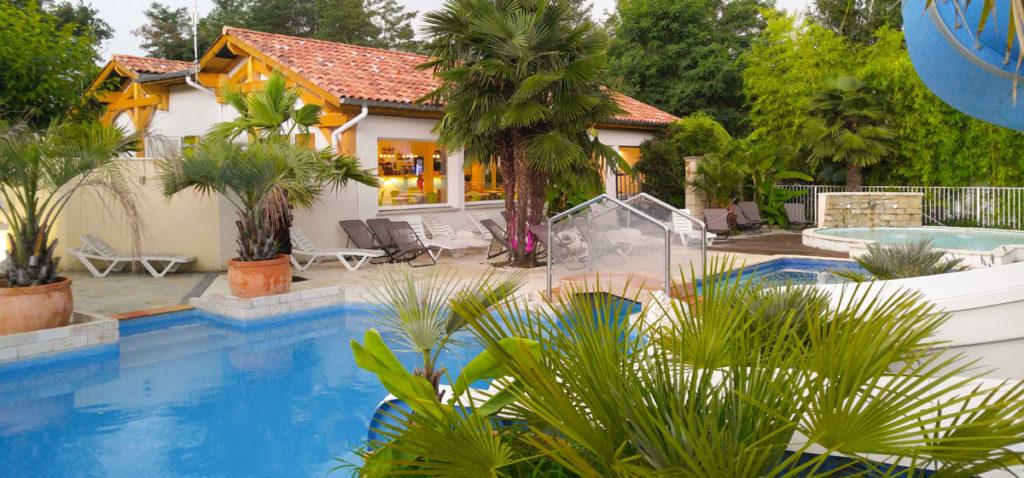 les platanes st geours piscine